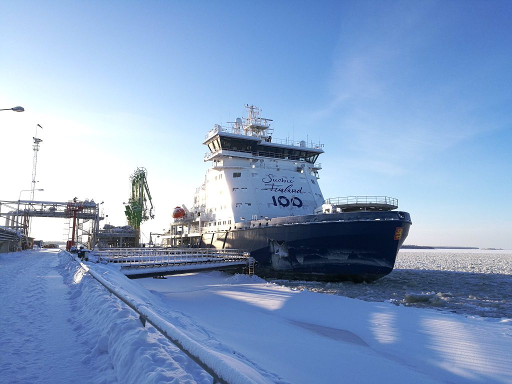 Finland's LNG-fueled icebreaker