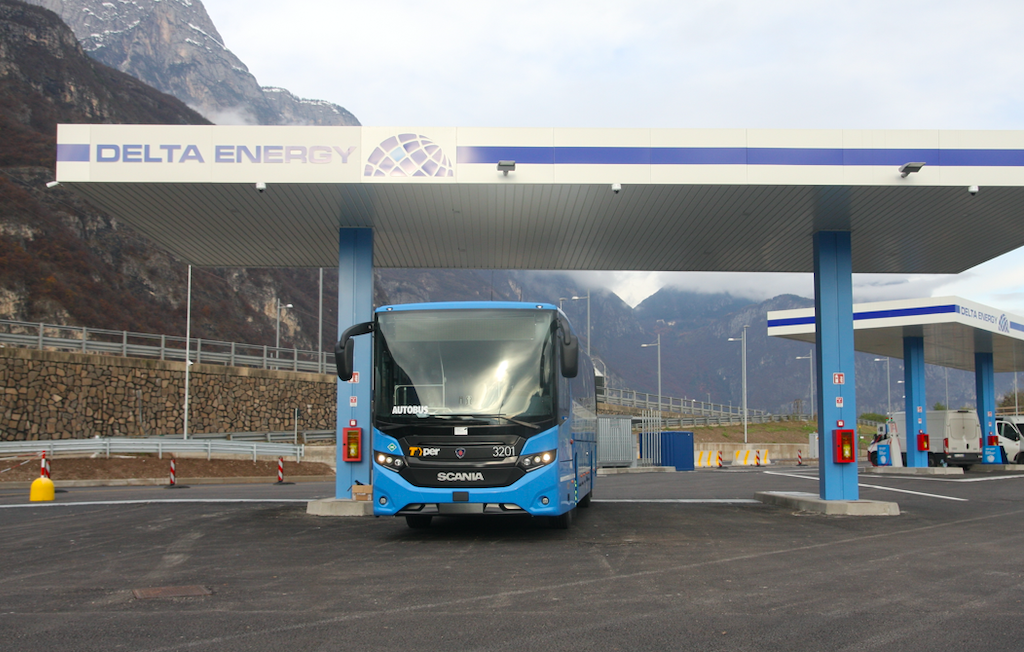 The new Scania Interlink LNG will be used on Bologna suburban lines, where they will replace older diesel-powered vehicles.